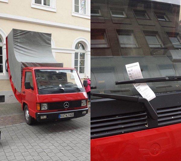 ขำๆ! ตำรวจออกใบสั่งให้รถบรรทุกที่จำลองขึ้นเพื่องานศิลปะ