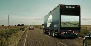 "Samsung ผุดไอเดียสุดเจ๋ง ""Safety Truck"" รถบรรทุกติดจอภาพช่วยลดอุบัติเหตุจากการแซง"