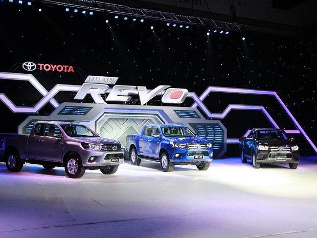ใหม่ Toyota  2015 เปิดตัว Hilux Rivo 3 รุ่น 33 แบบ พร้อม 3 สีใหม่ เคาะราคาเริ่มต้น 5.69 แสนบาท