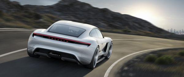 Porsche Mission E at IAA 03_900
