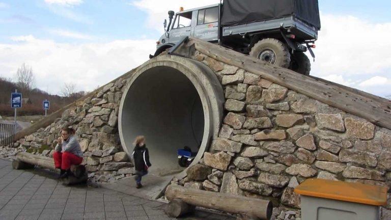 Mercedes-Benz ฉลองครบรอบ 70 ปี รถบรรทุกUnimog