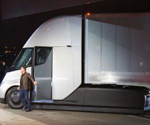 Tesla Semi เปิดตัวรถบรรทุกไฟฟ้ารุ่นใหม่ วิ่งได้ 800 กม. ต่อการชาร์จหนึ่งครั้ง ราคาเริ่มต้น 200,000 ดอลล์