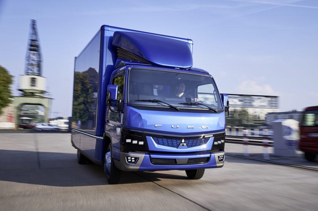 รถบรรทุกไฟฟ้า Fuso eCanter รถบรรทุกที่ใช้พลังงานไฟฟ้า คันแรกของโลก