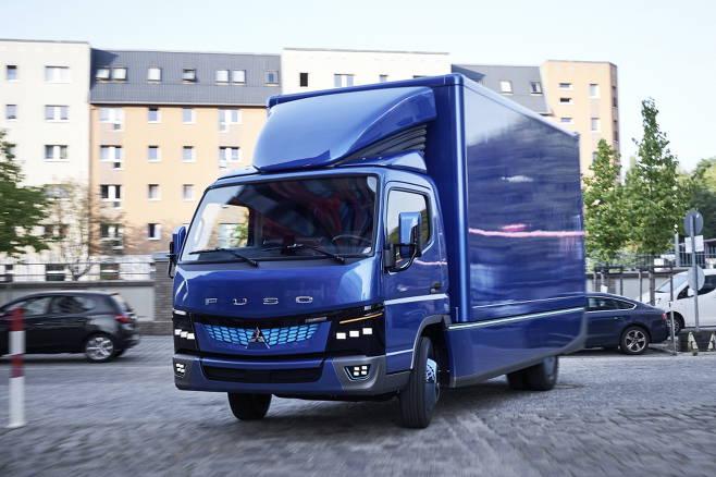 แนะนำรถบรรทุกไฟฟ้า Fuso eCanter ที่ใช้พลังงานไฟฟ้าเป็นอันดับแรกของโลก