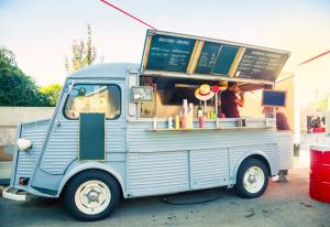 ขายอาหาร Food Truck ฟู้ดทรัค มีข้อดีข้อเสียอย่างไร