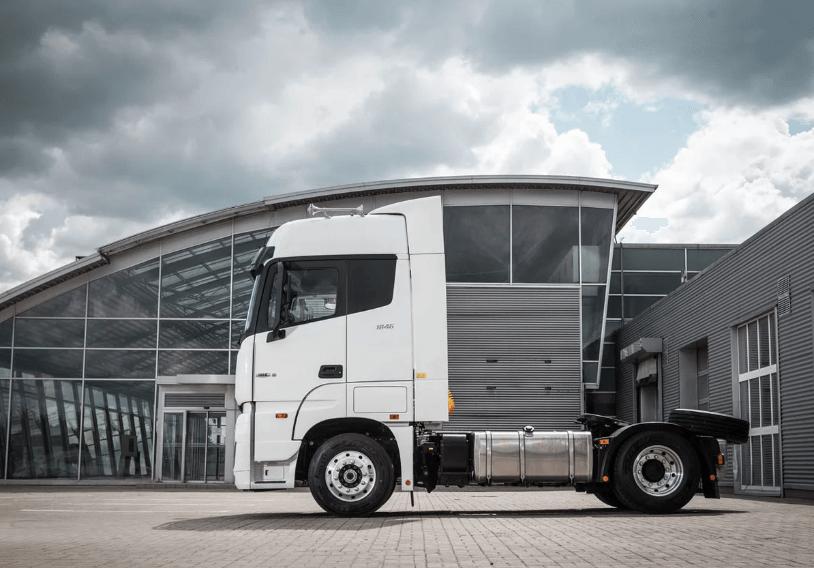 รถบรรทุก Foton Auman EST review ด้านข้าง